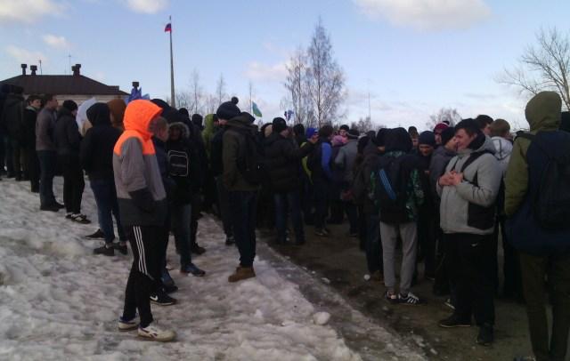 Учащиеся образовательных учреждений Петрозаводска составили основную массу участников акции. Фото: Валерий Поташов