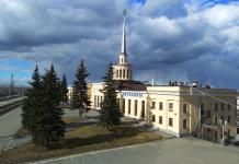 Железнодорожный вокзал карельской столицы. Фото: Алексей Владимиров
