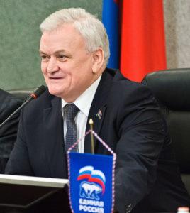 Спикер парламента Карелии Владимир Семенов вновь хочет попасть в ЗС через карельскую глубинку. Фото: Губернiя Daily