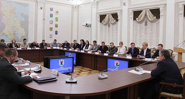 Глава Карелии на встрече с лидерами политических партий. Фото: gov.karelia.ru