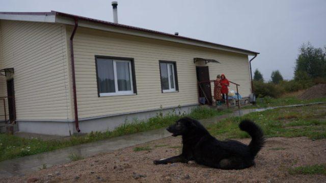 Новый дом в деревне Вокнаволок. Фото: Евгений Куликов