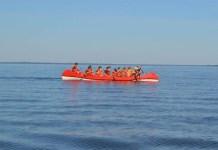 В результате трагедии на Сямозере погибли 14 подростков, которые вышли в водный поход, несмотря на штормовое предупреждение. Фото: karelia-open.ru