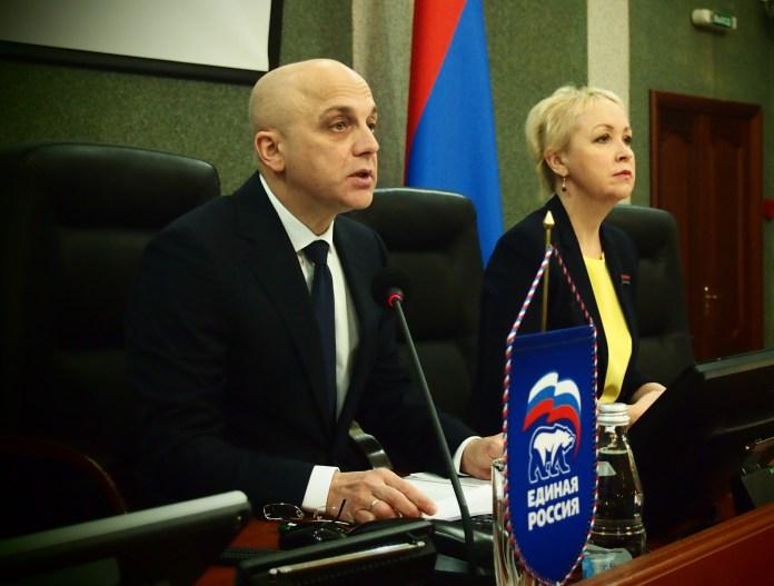 Спикер парламента Карелии Элиссан Шандалович и его заместитель Ольга Шмаеник. Фото: Валерий Поташов