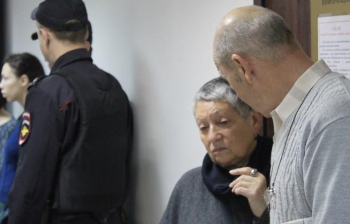 Писатель и сценарист Людмила Улицкая в городском суде Петрозаводска. Фото: Валерий Поташов