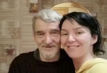Юрий Дмитриев с дочерью дома. Фото: Екатерина Клодт