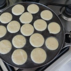 Scoop the batter in the pan