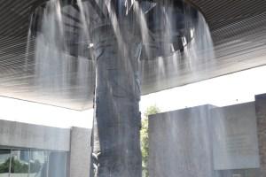 """""""El Paraguas"""" en el pat""""El Paraguas"""" en el patio central del Museo Nacional de Antropología.io central del museo"""