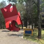 """Paseo de los escultores. """"Tlaloc"""" del artista Sebastián. Uno de los creadores del Espacio escultórico."""