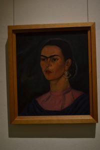 Autoretrato de la joven Frida