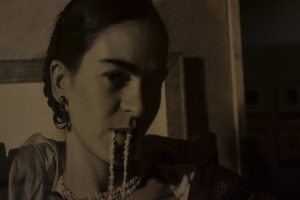 Fotografía de la joven Frida