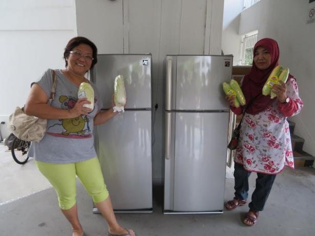 tampines-community-fridge-twofridges