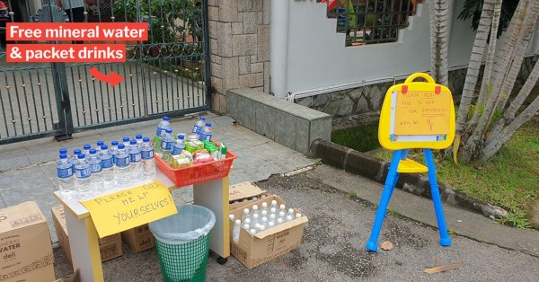 Kind Uncle Sets Up Free 'Mama Shop' For Voters In Queue, Even Offers House Restroom