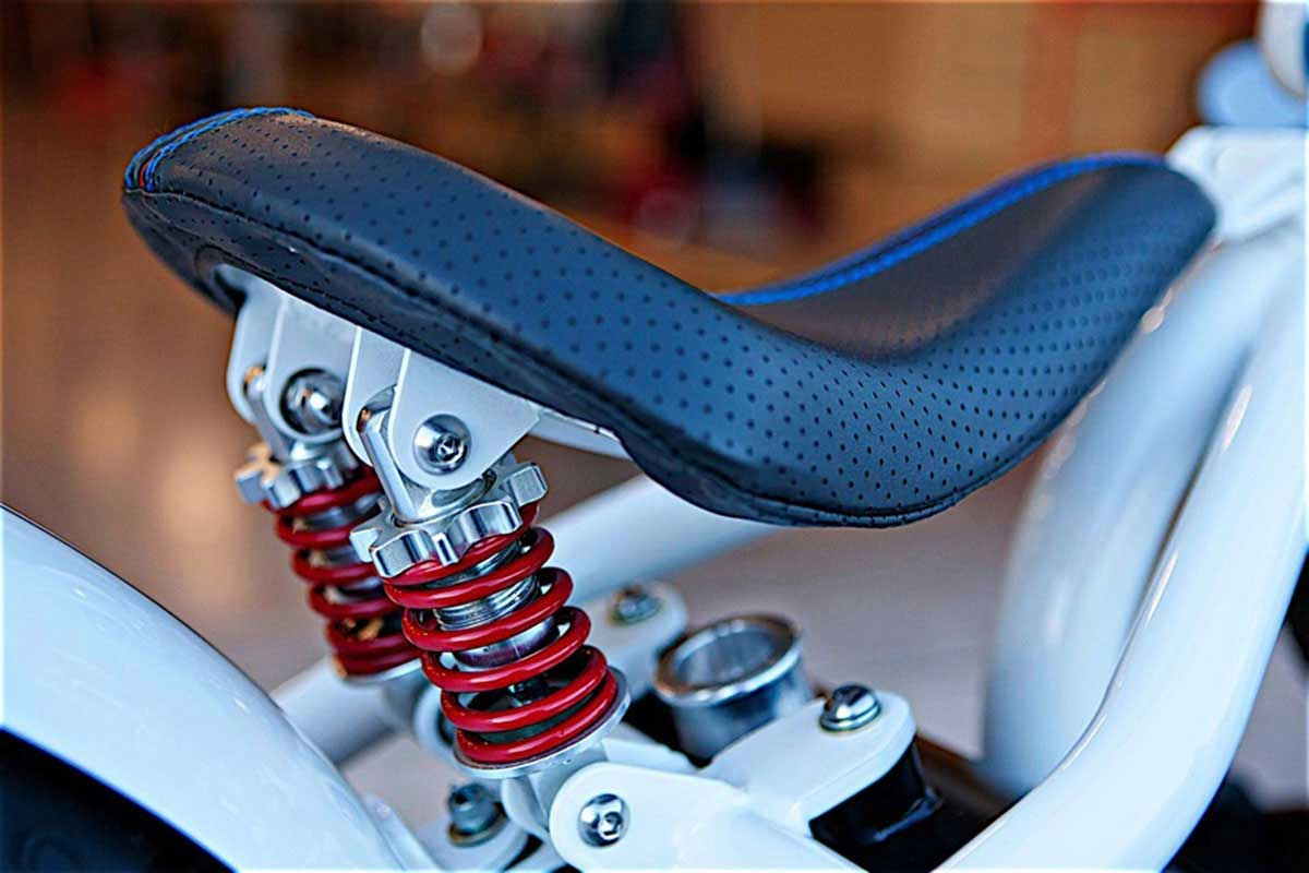 The-Race-by-DP-Customs-seat