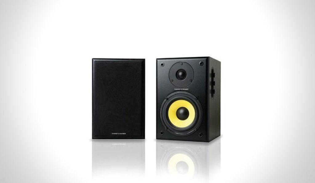 Thonet-Vander-Kurbis-Bluetooth-Speaker-1