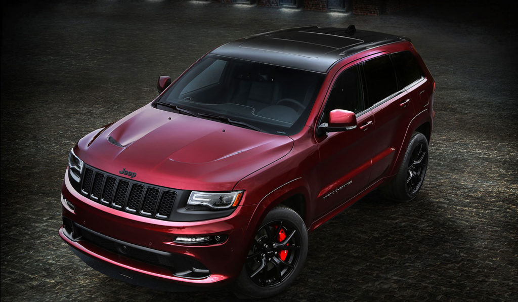 2016-Jeep-Grand-Cherokee-SRT-Night-from-above