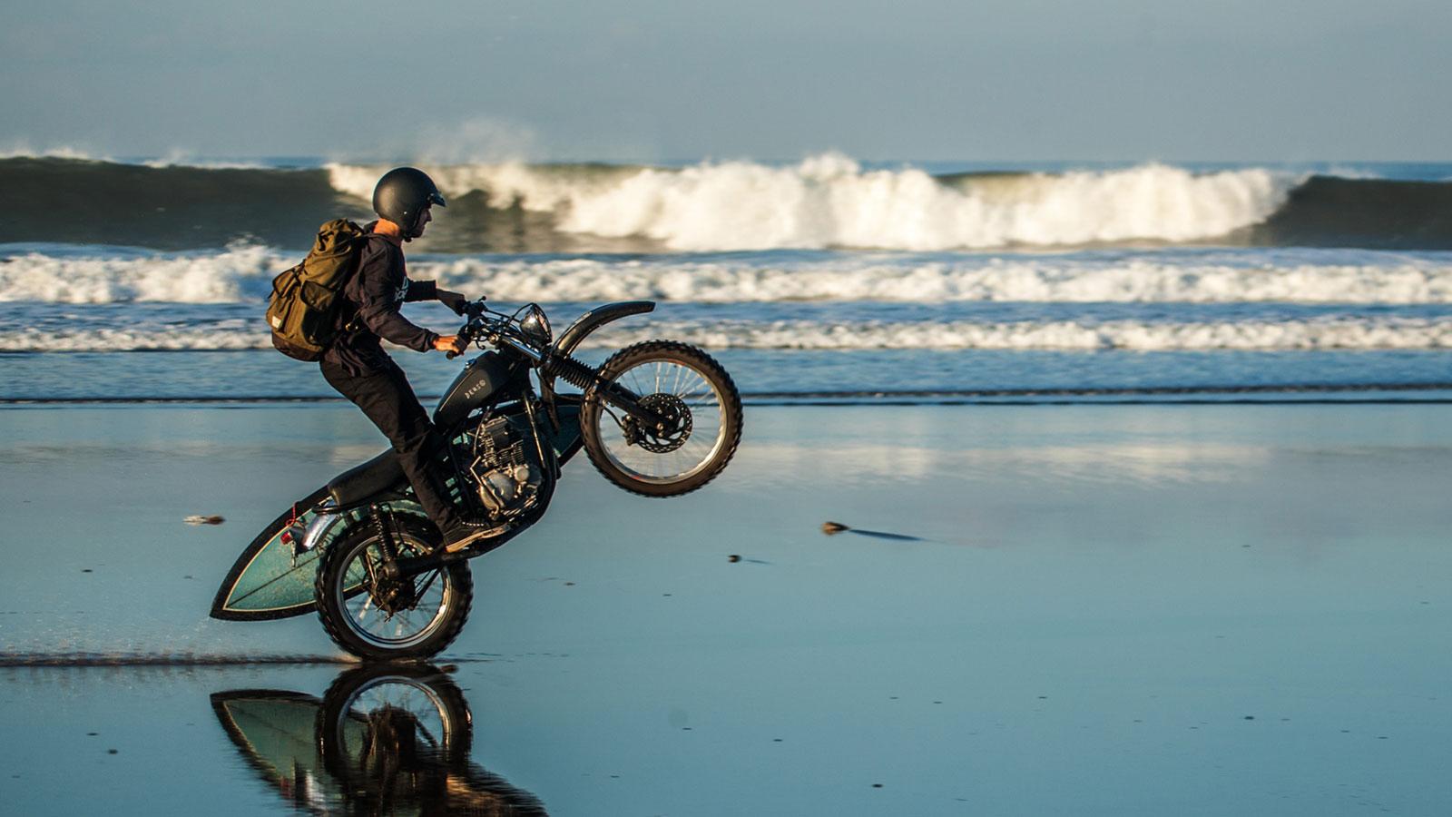 Deus-Ex-Machina-Bali-Dog-Motorcycle-3