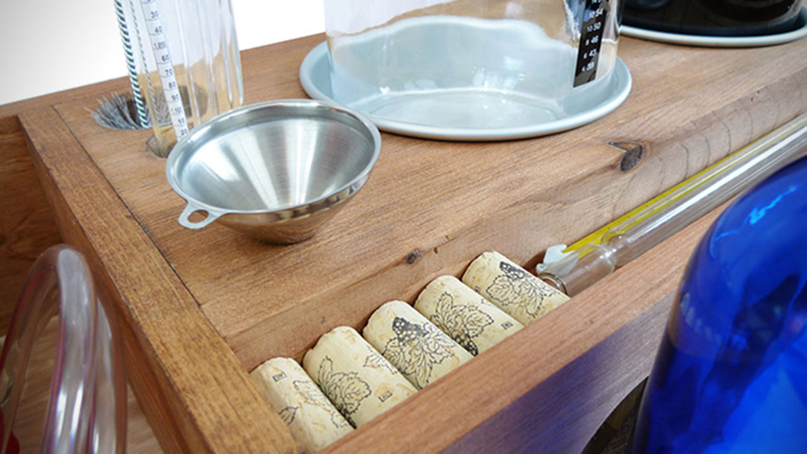 Box-Brew-Winemaking-Kit-3