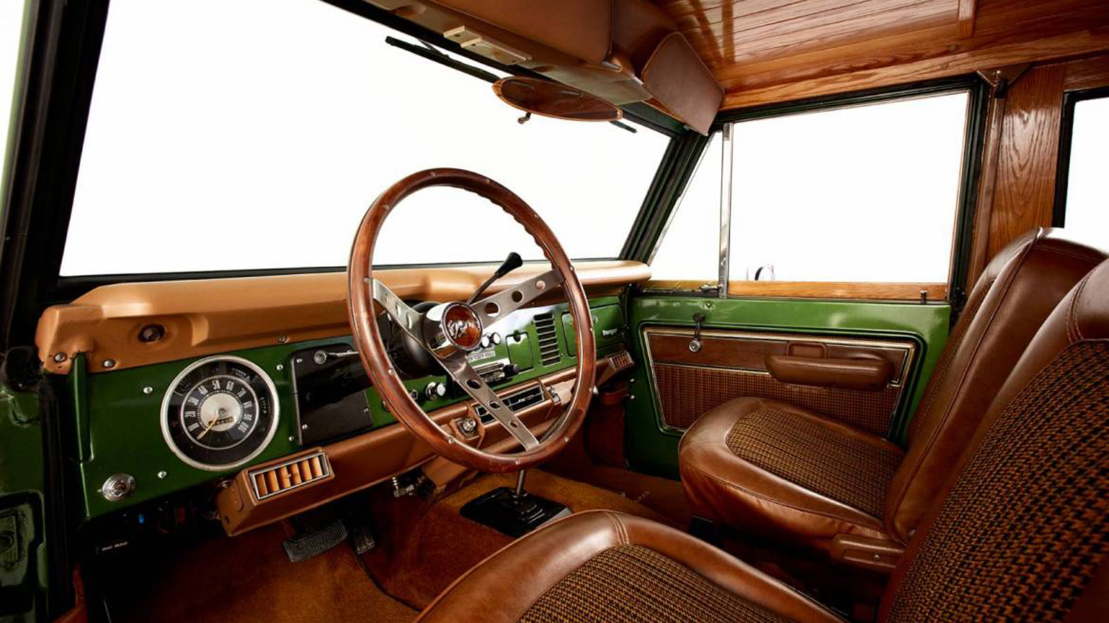 Woody-Ford-Bronco-8