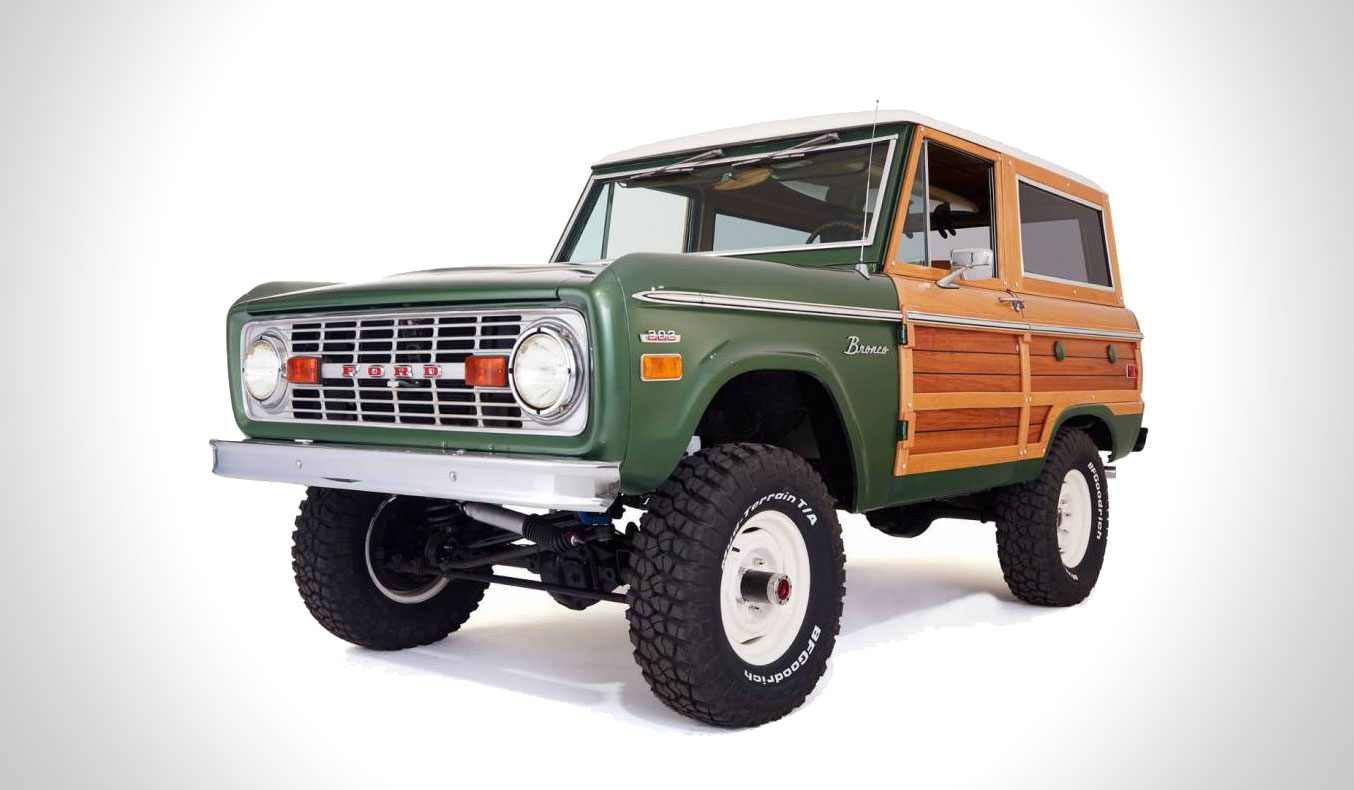 vintage-woody-ford-bronco-3