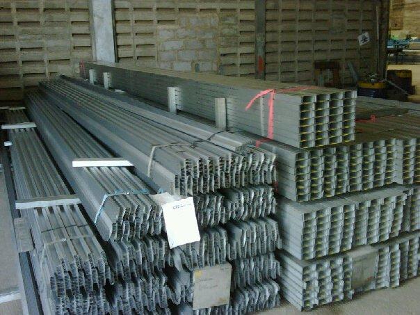 murah mana baja ringan atau kayu pabrik dan genteng metal di bekasi 0812 2221