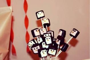 Chocolate & Marshmallow Pingu Pops