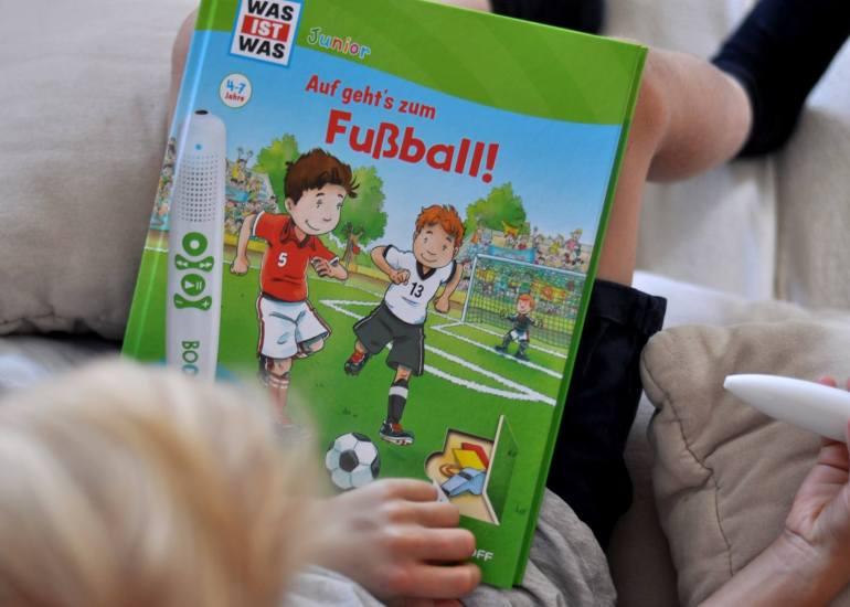 Auf geht´s zum Fußball - ein Bookii Buch mit Hörstift #tessloff #bookii #höhrstift #kinderbuch #fußball