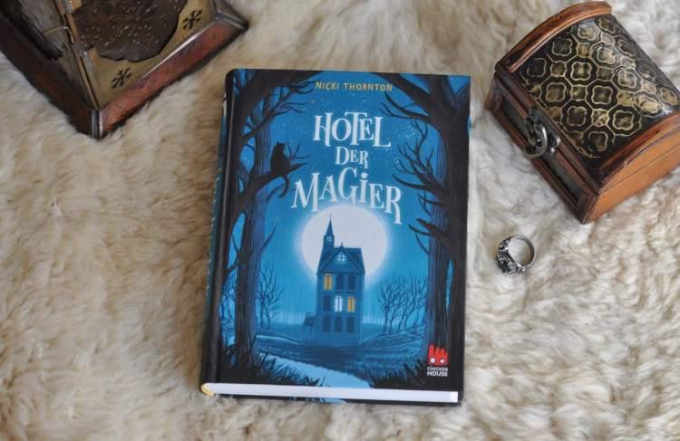 Ein Küchenjunge in magischer Ermittlung: Hotel der Magier
