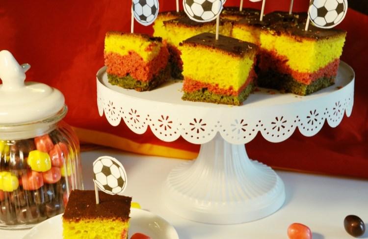 Fußball-Party mit Schland-Blondies #Rezept