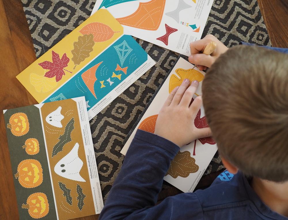 Basteln Mit Kind: Prickeln   Herbstliche DIY Deko Selbstgemacht Mit Der  Prickel Technik