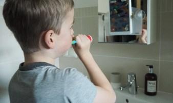 Zähne putzen mit Kind: Playbrush