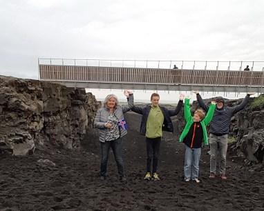 Island mit Kind: Reykjanes Brücke zwischen den Kontinenten