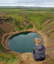 Island mit Kind: Krater Kerid
