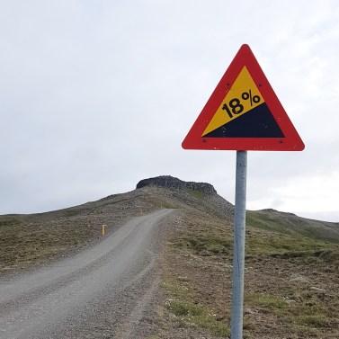 Island mit Kindern: Norden: 18 Prozent Steigung