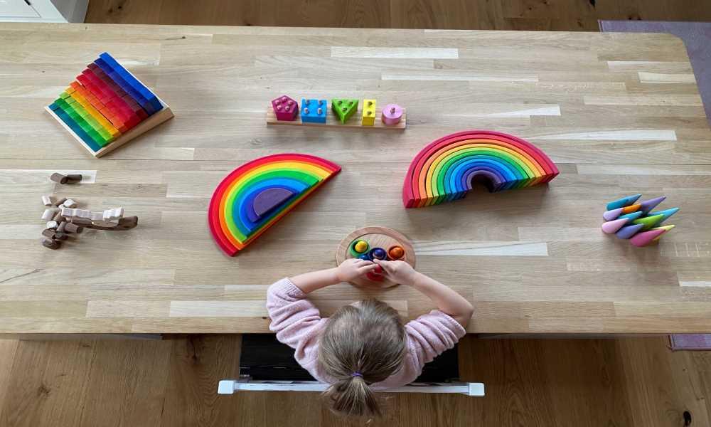 DIY Spieltisch mit viel Stauraum