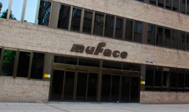 Muface formaliza contrato de asistencia sanitaria nacional