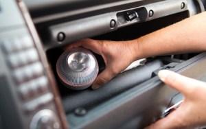 AXA ofrece dispositivo de señalización para coches