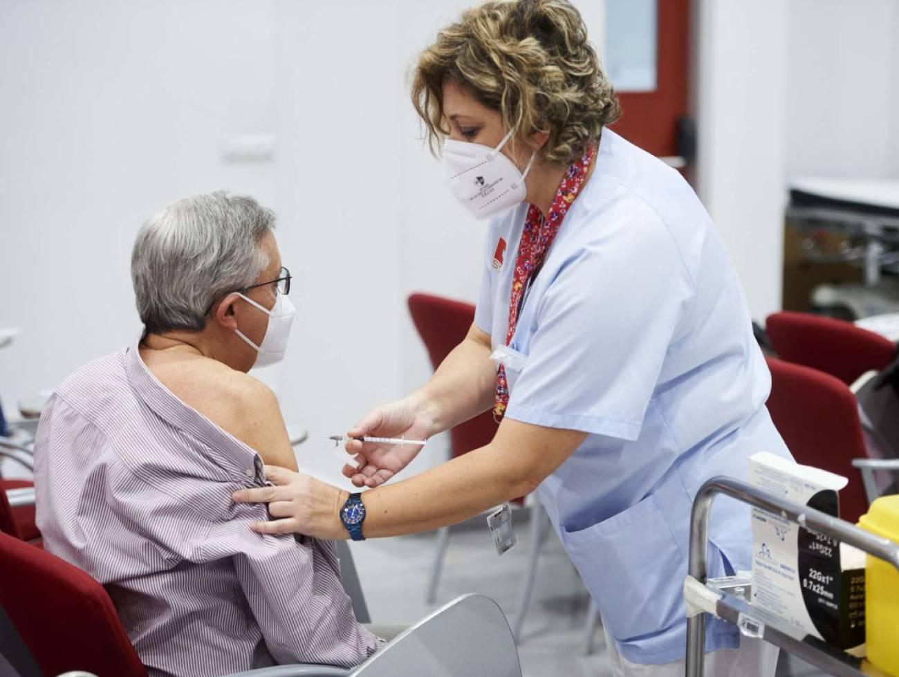 Las mutuas vacunarán contra la COVID-19 en Cantabria