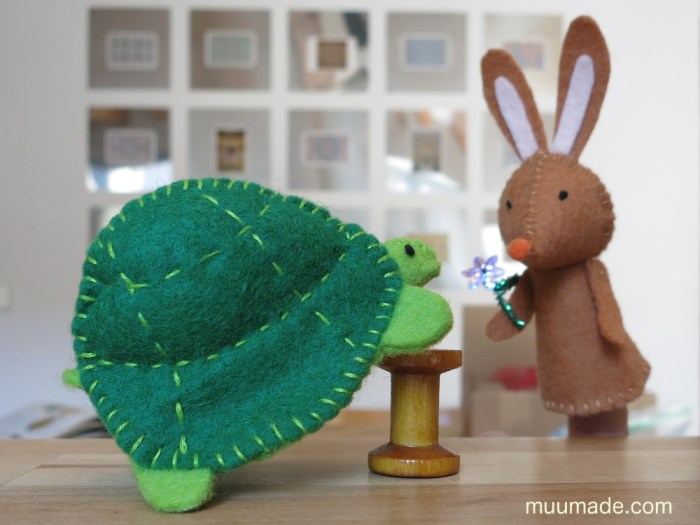 Hare-tortoise-puppets_3043