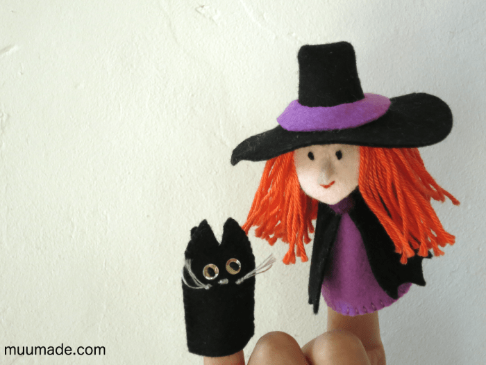 Halloween Witch finger puppet and black cat