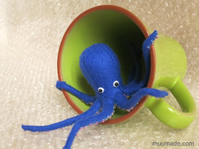 Little Felt Octopus - sewing pattern & tutorial #muumade.com