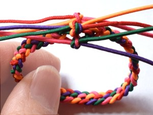 How to make a 5-strand braid bracelet - Muumade blog tutorial