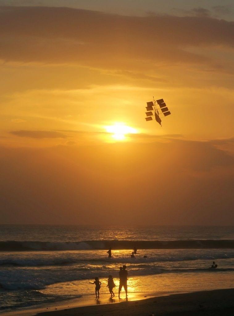 Auringonlasku Balilla