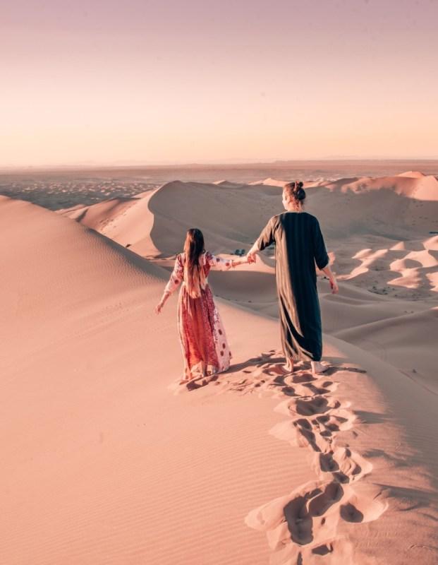 pariskunta Marokon Saharassa
