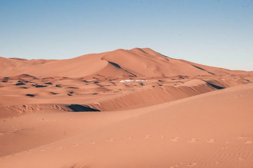 Hiekkadyyneja Saharassa