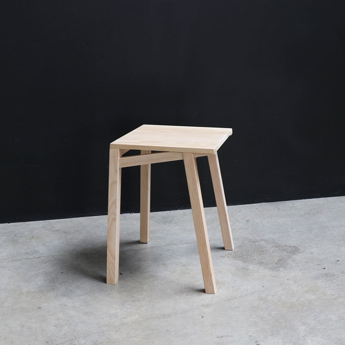 Studio minimal lightweight stool