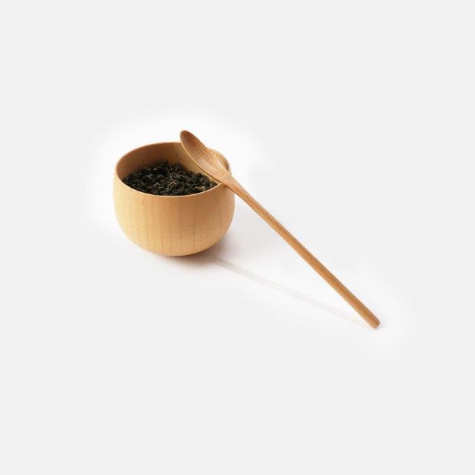 wooden-tea-jar-with-spoon