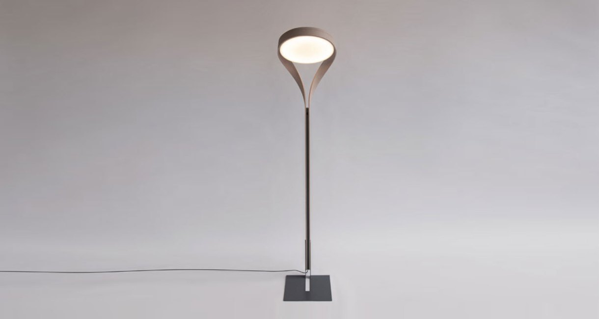 LUX-FAGUS-wood-floor-lamp-interior-front-view