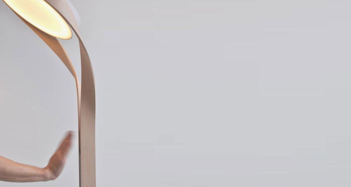 LUX-FAGUS-wood-floor-lamp-interior-sensor