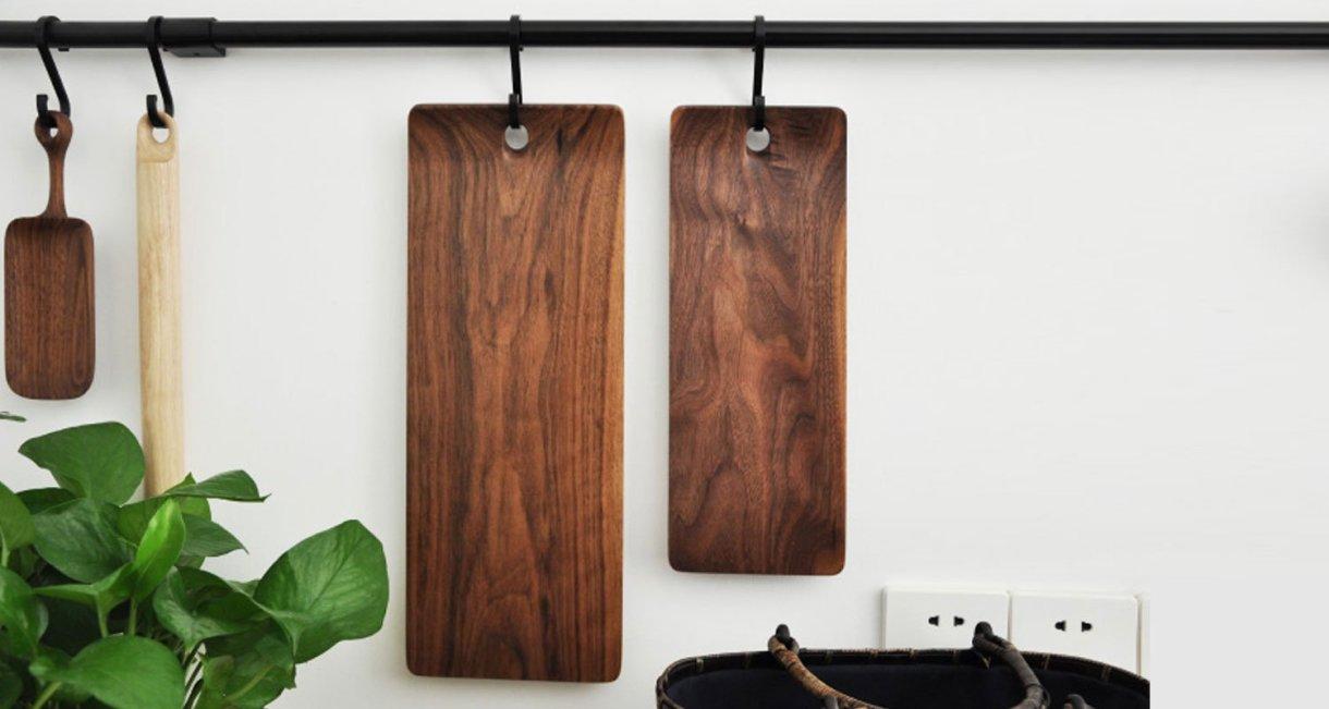 walnut-cutting-board-hanging