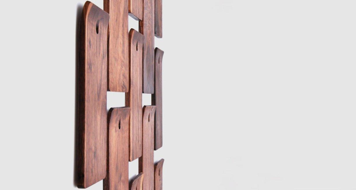 walnut-cutting-board-with-a-hole